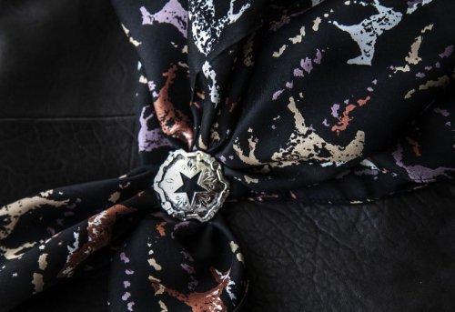 画像クリックで大きく確認できます Click↓2: シルク ワイルドラグ(カウボーイ大判スカーフ)ホース/100% Silk Wild Rags