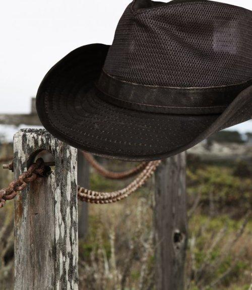 画像クリックで大きく確認できます Click↓3: ペンドルトン メッシュ アウトバックハット(ダークブラウン)/Pendleton Weathered Cotton Mesh Outback Hat(Tobacco)