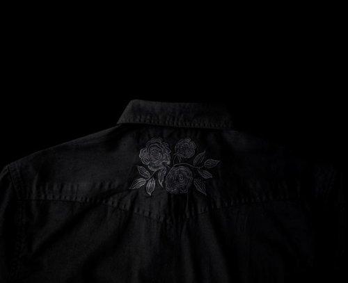 画像クリックで大きく確認できます Click↓2: スナップフロント ウエスタンシャツ(ブラック・ブラックローズ刺繍)/Long Sleeve Western Shirt(Black/Black Rose)