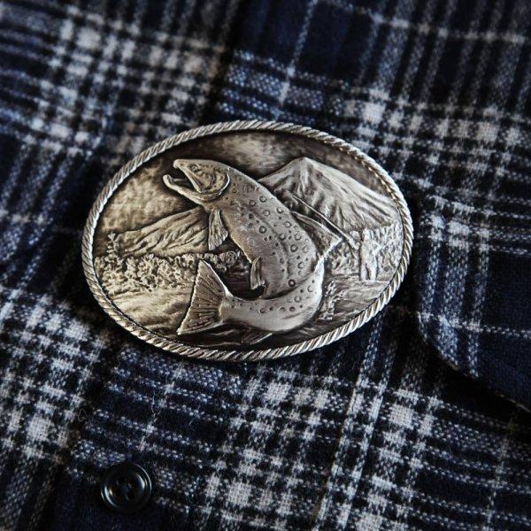 画像2: モンタナシルバースミス アウトドア ベルト バックル ワイルド トラウト/Montana Silversmiths Wild Trout Carved Belt Buckle